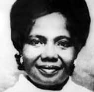 Docia Angelina Naki Kisseih (Docia Kisseih) became the first Ghanaian Chief Nursing Officer to take over from the British Colonial government in 1961.